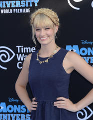 get beth behrs' radiant beauty look from the monsters university premiere